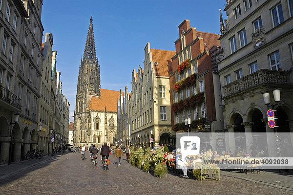 St. Lamberti Church and Prinzipal Market (Prinzipalmarkt)  Muenster  North Rhine-Westphalia  Germany