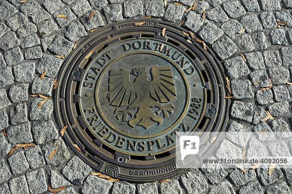 Gullydeckel mit Wappen,  Dortmund,  NRW,  Nordrhein Westfalen,  Deutschland