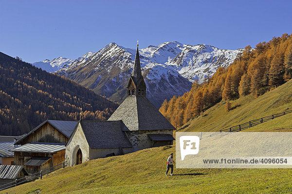 Gotische St.Nikolaus Kirche  Bergdorf Rojen (2000m)  Südtirol  Italien