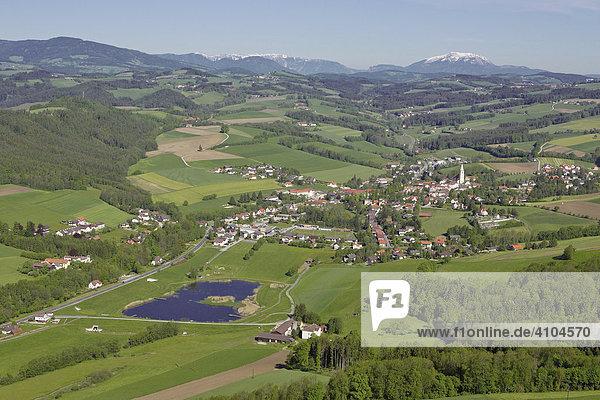 Ort Krumbach  Luftaufnahme  Niederösterreich  Österreich