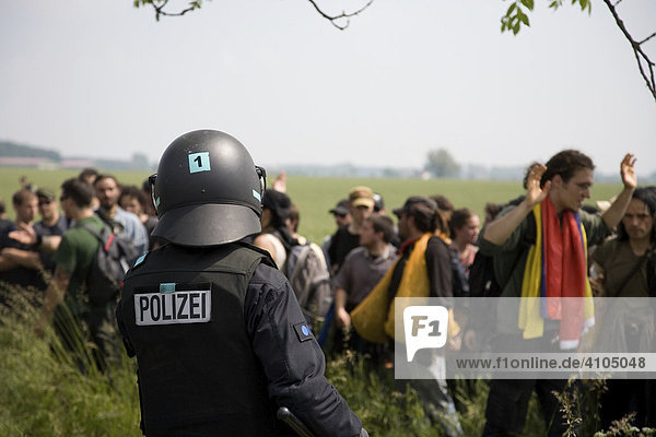 Police action against protesters during the G-8 summit  Rostock  Heiligendamm  Mecklenburg-Western Pomerania  Germany