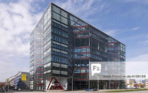 Doppel-X-Hochhaus  preisgekröntes Bürogebäude der Architekten Bothe  Richter  Teherani im Heidenkampsweg  Hamburg  Deutschland