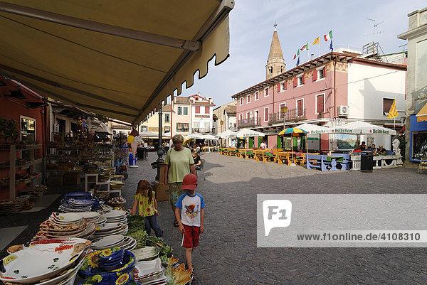 In der malerischen Altstadt  Caorle an der Adria  Venetien  Italien