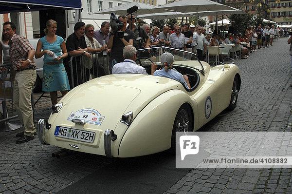 Jaguar Oldtimer  Oldtimer Rallye 2000 Km durch Deutschland  Schwäbisch Gmünd  Baden Württemberg  Deutschland  Europa