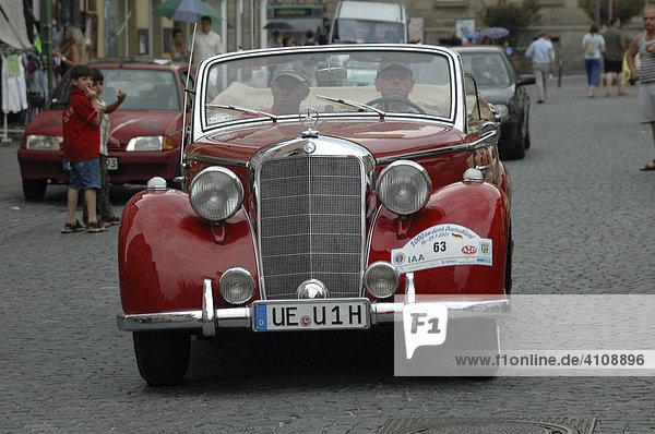 Mercedes Oldtimer  Oldtimer Rallye 2000 Km durch Deutschland  Schwäbisch Gmünd  Baden Württemberg  Deutschland  Europa