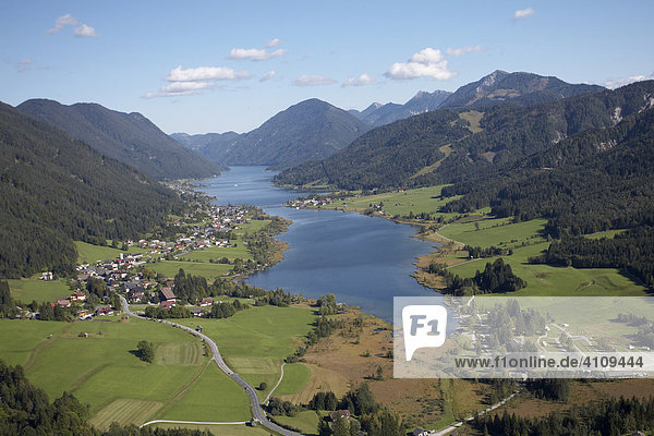 Weißensee aus der Luft  Kärnten  Österreich