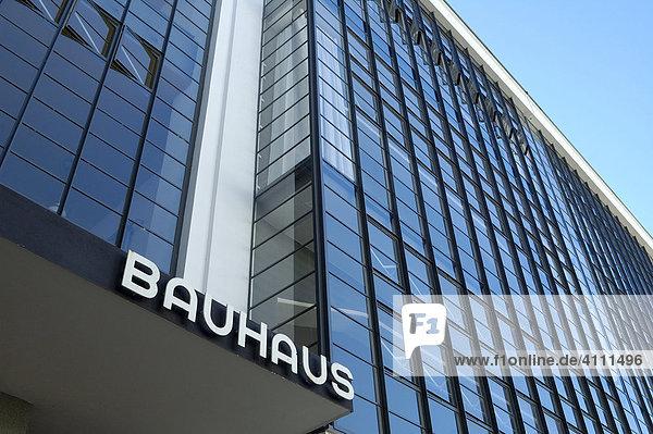 UNESCO-Welterbestätte  Glasfassade  Das Bauhaus  Dessau  Sachsen-Anhalt  Deutschland