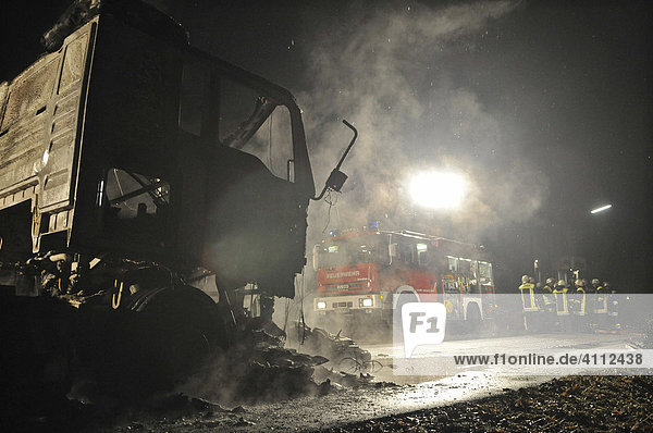 Motorcycle rider crashed against a parked truck on the night of New Year's Eve 07/08  both vehicles and the body of the motorcycle rider were burnt  Boeblingen District  Renningen  Baden-Wuerttemberg  Germany  Europe