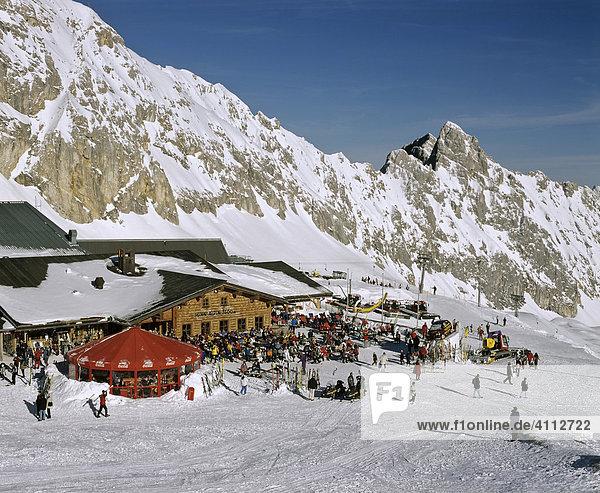 Zugspitze  Sonn Alpin auf dem Zugspitzplatt  Wettersteingebirge  Oberbayern  Deutschland