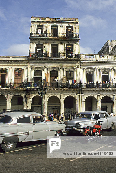 Oldtimer am Prado in Havanna  Kuba