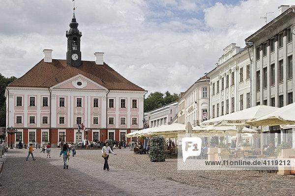 Rathausplatz in Tartu  Estland  Europa
