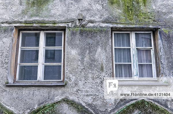 Hausfassade in der Altstadt von Hall  Tirol  Österreich