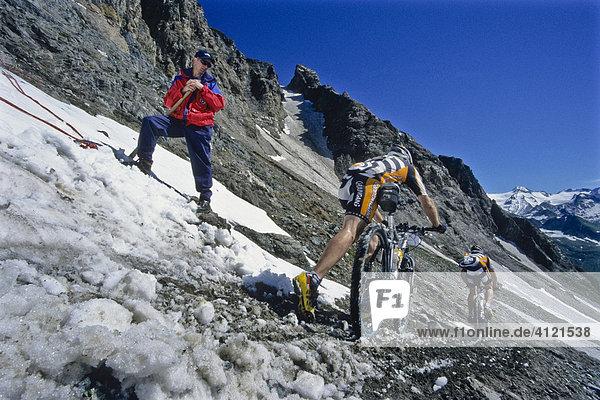 Mountain bikers  Transalp Challenge Mountain bike race  Pfunderer Joch Pass  Bolzano-Bozen  Italy  Europe