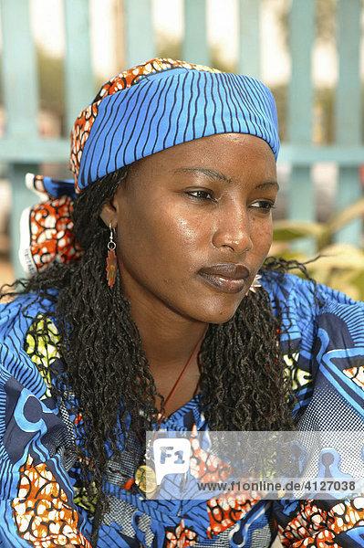Frau auf dem Markt  Garoua  Kamerun  Afrika