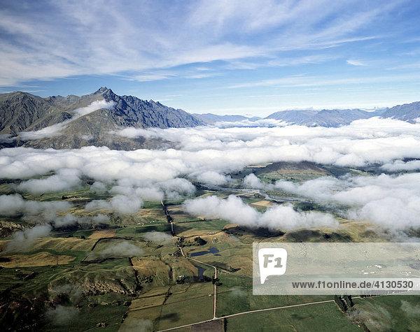 Landschaft am Lake Wakatipu  Queenstown  Südinsel  Neuseeland