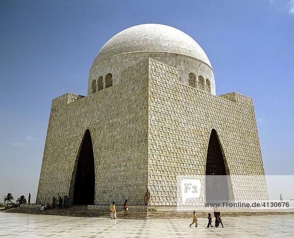 Mazar-e-Quaid Mausoleum von Muhammad Ali Jinnah  Marmor  Karachi  Pakistan