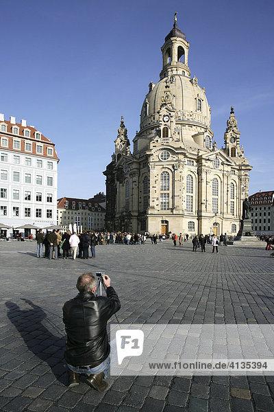 Die wieder aufgebaute Frauenkirche am Neumarkt  Dresden  Sachsen  Deutschland