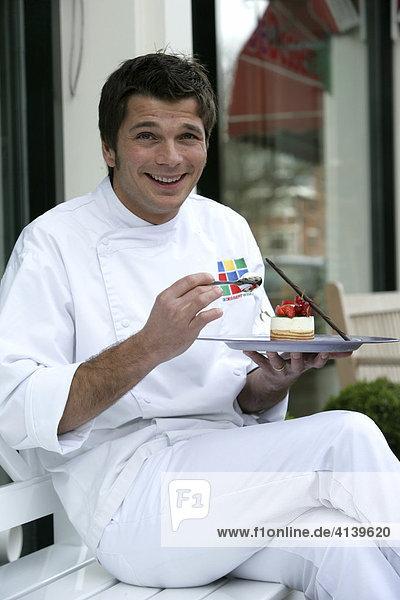 NLD  Niederlande  Den Haag: Süßspeisen Fachgeschäft Dessert Winkel  Patissier Richard Ophorst.