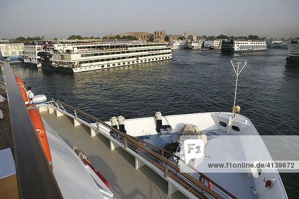 Nil Kreuzfahrt mit dem neuen Flusskreuzfahrtschiff Zahra zwischen Assuan (Aswan) und Luxor  Ägypten  Afrika