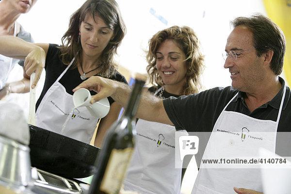 Kochschule Aula de Cuina de L'Emporda  spezialisiert auf Katalonische Küche  Calella de Palafrugell  Costa Blanca  Katalonien  Spanien  Europa
