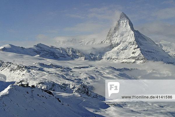 Skigebiet Zermatt mit Gornergrat und Matterhorn  Wallis  Schweiz