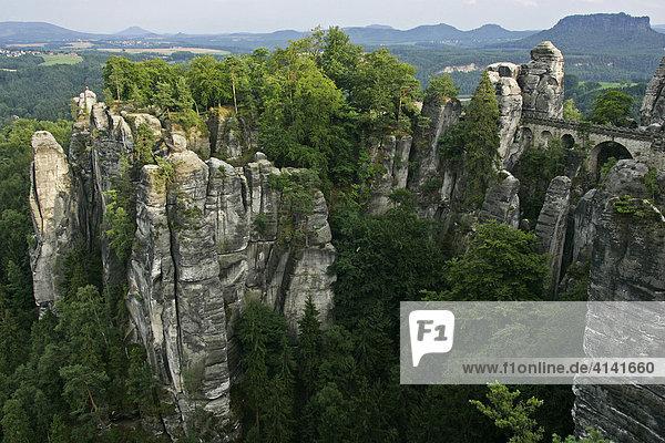 Sächsische Schweiz  Felstürme an der Bastei  Elbsandsteingebirge  Sachsen  Deutschland
