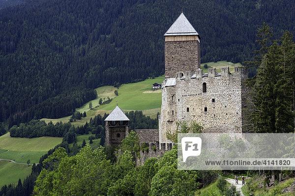 Schloss Reinegg bei Sarnthein  Sarntal  Südtirol  Italien