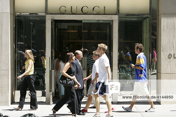 USA  United States of America  New York City: Midtown Manhattan  5th Avenue. Gucci boutique.