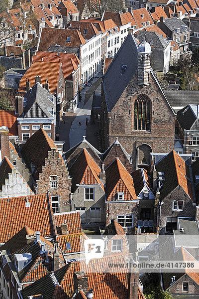 Blick vom Kirchtum Lange Jan auf die Altstadt  Middelburg  Walcheren  Zeeland  Niederlande  Europa