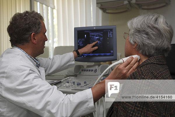 Gefäßuntersuchung an der Halsschlagader