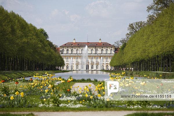 Neues Schloss Schleißheim mit Hofgarten  Oberschleißheim bei München  Oberbayern  Bayern  Deutschland  Europa