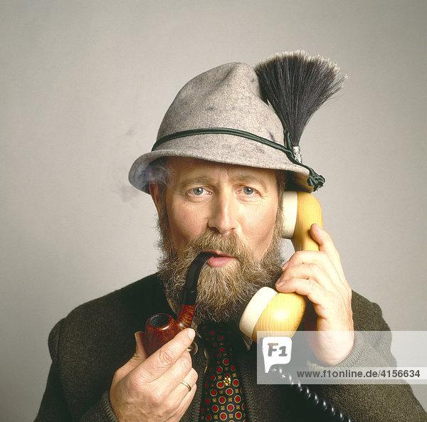 Bayer am Telefon
