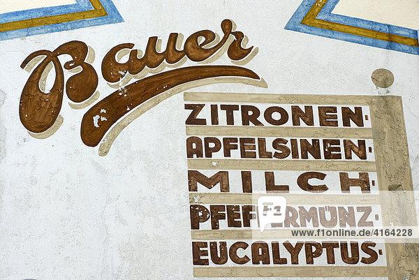 Alte Werbemalerei auf einer Hauswand  Koblenz  Rheinland-Pfalz  Deutschland Alte Werbemalerei auf einer Hauswand, Koblenz, Rheinland-Pfalz, Deutschland