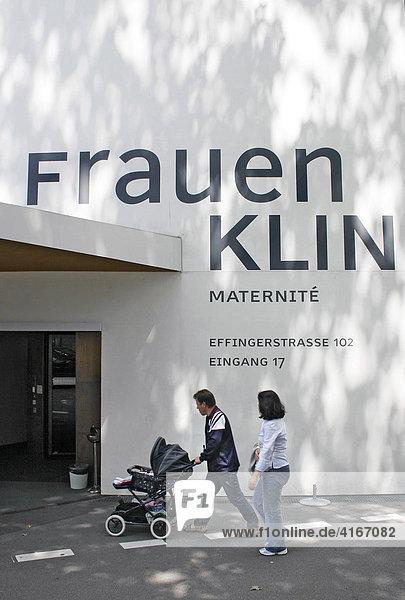 Eingang  Frauenklinik  Inselspital Bern  Schweiz