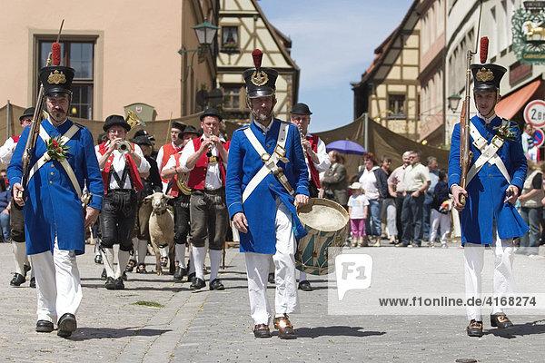 Historischer Schäfertanz in Rothenburg ob der Tauber - Mittelfranken