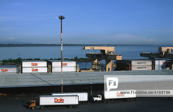 Hafen in Moin - Dole Lastwagen - LimÛn Limon Costa Rica