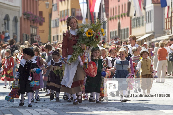 Historischer Festzug Kinderzeche in Dinkelsbühl - Mittelfranken