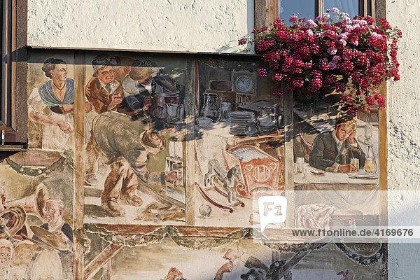 Bemaltes Haus in Attersee  Salzkammergut  Oberösterreich  Österreich
