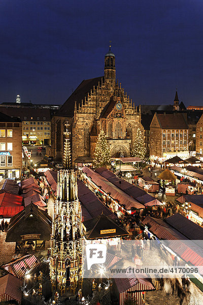 Nürnberger Christkindlesmarkt  Christkindlmarkt am Hauptmarkt  Frauenkirche  Nürnberg  Mittelfranken  Bayern Nürnberger Christkindlesmarkt, Christkindlmarkt am Hauptmarkt, Frauenkirche, Nürnberg, Mittelfranken, Bayern