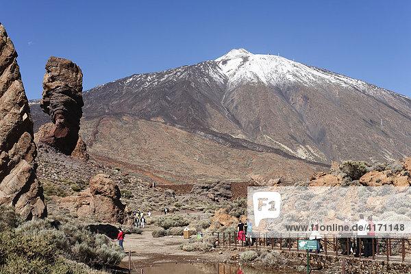 Los Roques  Teide  Las Canadas del Teide National Park  Tenerife  Canary Islands  Spain