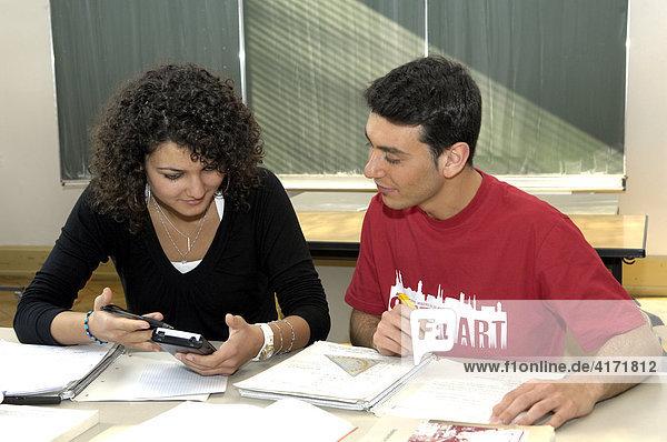 Schüler beim Nachhilfeunterricht