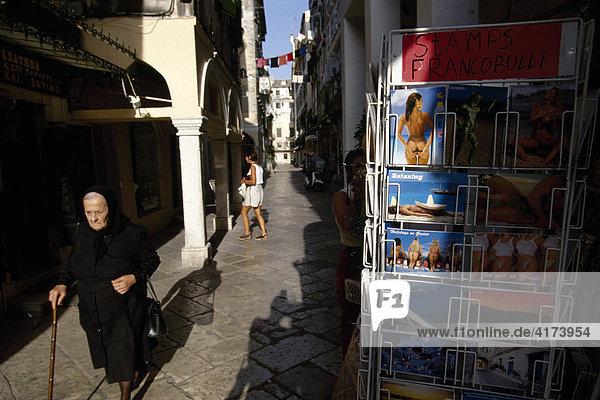Alte Griechin  Postkarten  Korfu-Stadt  Kerkira  Korfu  Griechenland