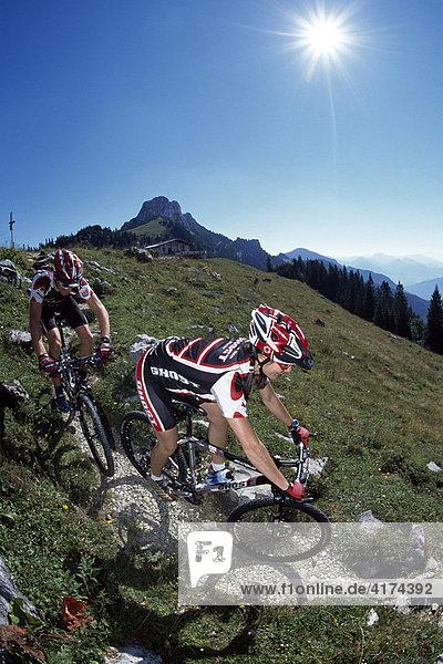 Radfahren  Kampenwand  Chiemgauer Alpen  Bayern  Deutschland