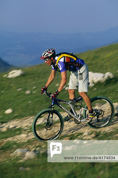 Mountain biker  Kampen Wall  Chiemgau  Bavaria  Germany
