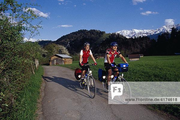 Fahrradtour  König Ludwig-Tour  bei Garmisch-Partenkirchen  Bayern  Deutschland