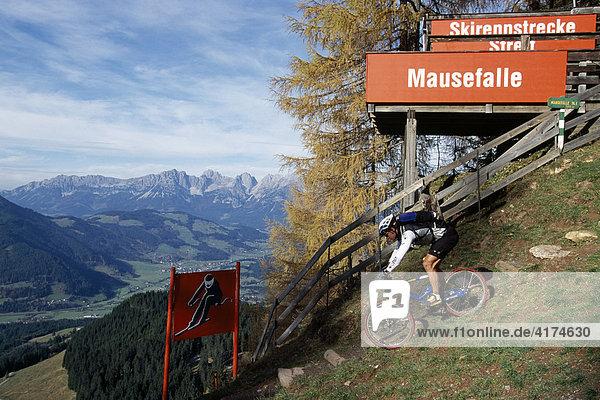 Mountainbiker  Streif  Kitzbüheler Alpen  Kitzbühel  Tirol  Österreich