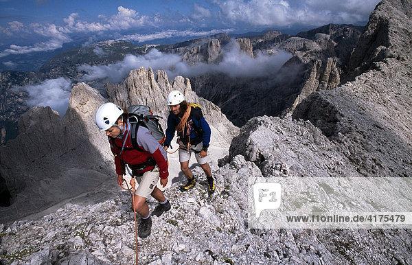 Klettersteig Rosengarten : Dolomiten italien iblneh00314552 rosengarten santnerpass