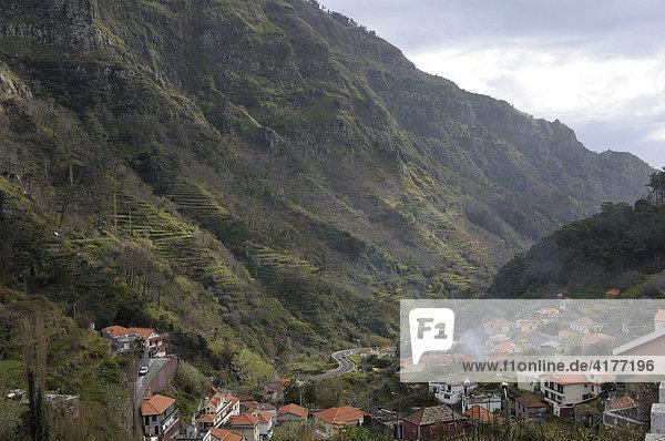 Gebirge am Encumeada Pass  Madeira  Portugal