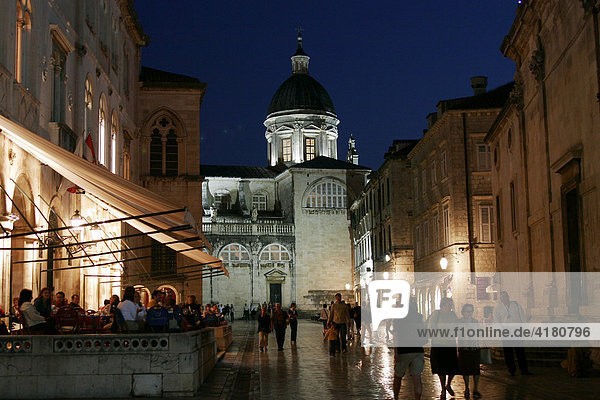 Kathedrale Velika Gospa in der Altstadt von Dubrovnik  Dubrovnik  Kroatien  Europa