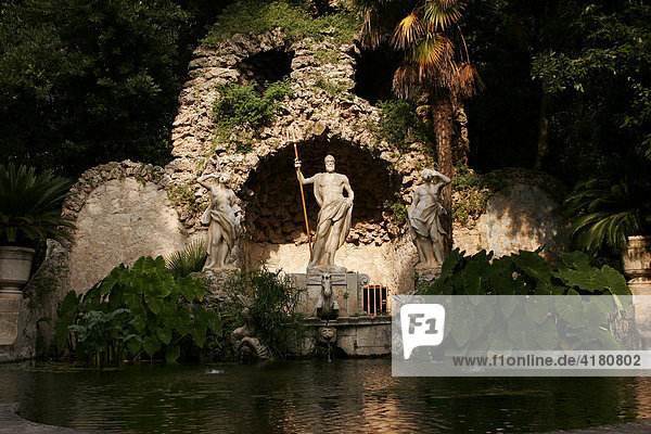 Das weltweit älteste Arboretum  Arboretum Trsteno  bei Dubrovnik  Kroatien Europa
